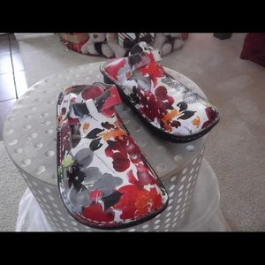 Alegria Mary Jane Floral Print Leather Clog  40/9